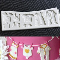 2017 Pop 3D Baby Clothes Shower silicone mold Kitchen Fondant Cake Moulds Chocolate Baking Tools