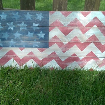 Rustic Chevron American Flag Wood Sign, Distressed Pallet USA Flag