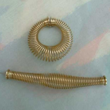 Funky Fun Slinky Post Style Hoop Earrings Goldtone Metal Vintage Jewelry
