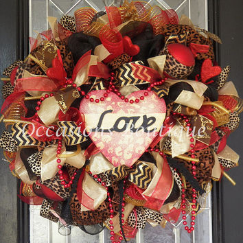 Valentine's Wreath, Valentine's Day Decoration, Heart Wreaths, Front door wreath, Wreath for door, Door Hanger, Ready to Ship