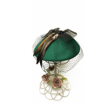 Bollman Green Wool Platter Hat With Feather And Netting / Vintage Hat