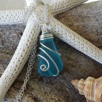 Handmade in Hawaii, Wire wrapped sea glass necklace,925 sterling silver chain,gift box,beach glass jewelry.sea glass jewelry.