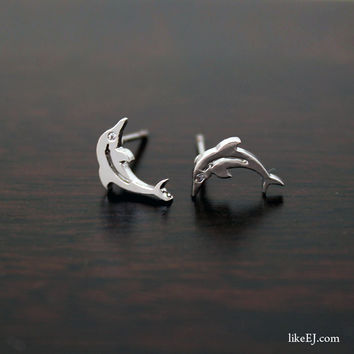 Tiny Dolphin Earring