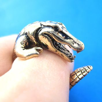 Large Crocodile Alligator Dragon Animal Wrap Around Hug Ring in Shiny Gold - Size 4 to 9 Available