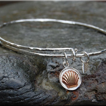 Clam Shell Expandable Bangle bracelet, Hammered Sterling silver Charm Bracelet, stacking bangle, adjustable bangle, Beach Jewelry