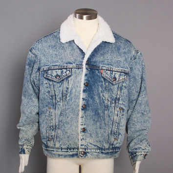 37b163c6f23 80s Men s Levi s JEAN JACKET   1980s Acid Wash Blue Sherpa Lined