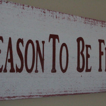 Tis the Season to be Freezin wood sign- Christmas decor- red and white wood sign- Holiday custom sign