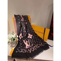 LV Louis Vuitton autumn and winter new classic print pattern shawl big square scarfLV Louis Vuitton autumn and winter new classic print pattern shawl big square scarf