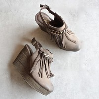 sbicca - allegretto fringe platform wedges - taupe