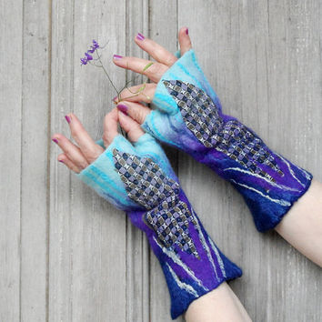 Hand felted mittens in blue and purple, winter woman fashion, wool arm warmers, decorated with vintage silk fabric and silk fibers. OOAK