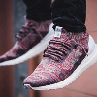 2017 Cheap Mens and Womens Consortium Kith x Ultra Boost Mid Uncaged Aspen Running Shoes Sports Sneakers for Men and Women Primeknit Runners