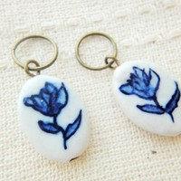 Ceramic clay white blue painted flower tulip charm stitch marker diy