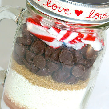 Candy Cane Hot Chocolate Mix in a Mason Jar Mug- Peppermint Hot Cocoa Mix Layered in Glass Mason Jar Mug