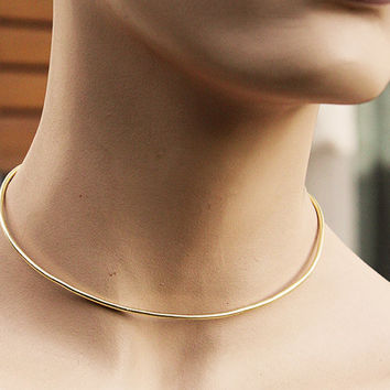 Minimal collar,brass chocker,handmade jewel,Gold tone choker, brass statement necklace, modern metal jewelry,open chocker,skinny cuff