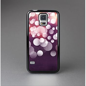 The Dark Purple with Glistening Unfocused Light Skin-Sert Case for the Samsung Galaxy S5
