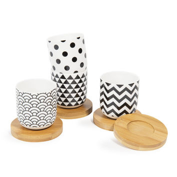 BLACK & WHITE case with 4 porcelain cups and saucers | Maisons du Monde