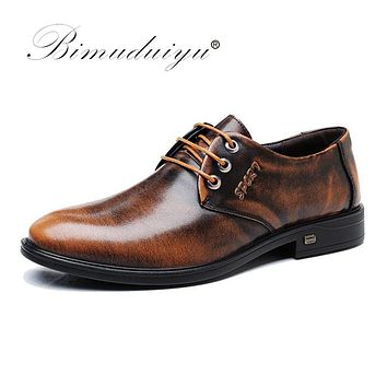 Luxury Genuine Leather Men Shoes Business Casual Dress Shoes Patent Leather Brown Black Shoes Round Toe Formal Shoes