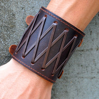 Brown Real Leather Bracelet  with Silvery Alloy Buckle Men Leather Cuff Bracelet, Cool High-quality Bracelet  RZ0412