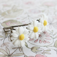 Daisy Flower  French Barrette.  Spring Fashion. Spring Style. Summer. Floral. Hair Accessories. Flower Hair Barrette