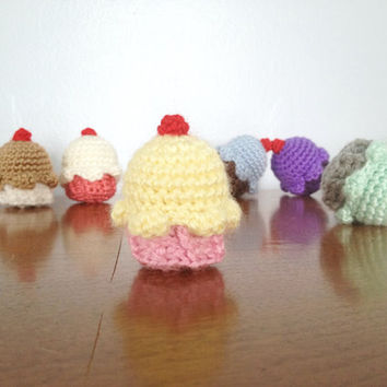 Custom Cupcake Plush - Amigurumi Cupcake - Crochet Cupcake Toy - Birthday Cake - Stuffed Plushie - Crochet Amigurumi Plush - Mini Sweets