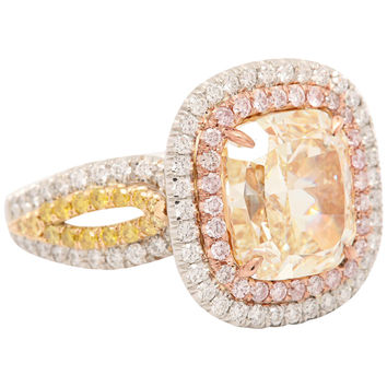 Magnificent 5.41 Carat Fancy Yellow diamond RIng.