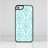 The Fancy Laced Turquiose & White Pattern Skin-Sert for the Apple iPhone 5c Skin-Sert Case