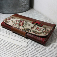 Brown Red Floral Vegan Leather Wallet, Vegan Wallet, Ladies Wallet, Trifold Wallet UNUSUAL with Coin Pocket - UNUSUAL Wallet