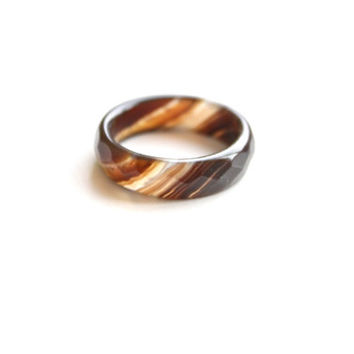 Natural Brown and White Agate Band Ring 5mm. Stackable Gemstone Ring. Faceted Agate Ring. Natural Healing Agate Ring.