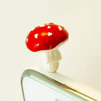 red fly agaric mushroom , Dust Plug  Phone Dust Stopper Earphone Cap Headphone Jack Charm for iPhone 5 4 4s iPad Samsung s2 s3, 3.5mm