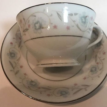 English Garden Fine China of Japan 4 Cups 4 Saucers Floral Gray Leaves Platinum