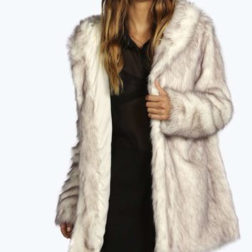 Boutique Lois Artic Faux Fur Coat