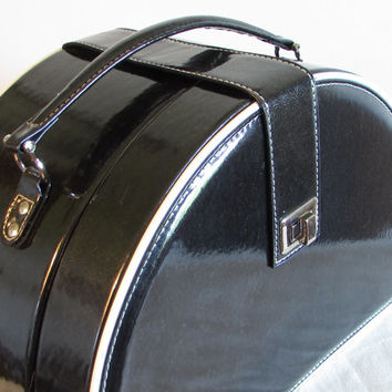 Black Train Case, Overnight Case, Patent Leather Train Case, Black Vinyl Travel Case, laslovelies