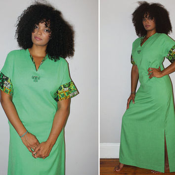 Vintage 70s HAWAIIAN MUUMUU / Light Green Maxi Dress / Tiki Man / Floral Print / Beach, Vacation, Tiki Party / Med Large