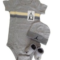 Nike Jordan Infant New Born Baby Layette Set 0-6 Months and Cellphone Anti-dust Plug