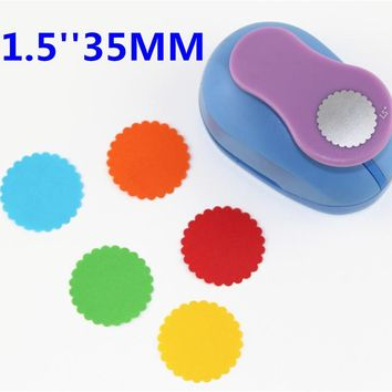 1.5 inch  round embossed Scrapbooking Paper Punch Puncher large Craft Punch DIY children toys round punches Butterfly puncher