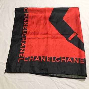 LMFONG6 Vintage Chanel Coco Portrait Red and Black Square Scarf