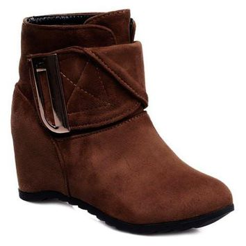 Retro Ankle Boots With Metal and Suede Design