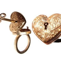 Locking 9ct Gold Engraved Heart Ring with by MetalCoutureJewelry