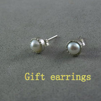 Small silver studs , silver studs , Gemestone earrings , Small studs , Minimalist earrings  ,simple earrings, pearl earrings , Gift earrings