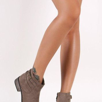 DCK7YE Bamboo Suede Strappy Buckle Ankle Boots