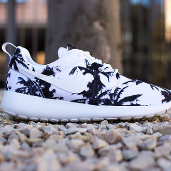 new style fe987 ca203 Nike Palm Tree Roshe Run Women