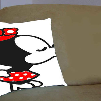 Kissing Mickey Minnie A - Pillow Case, Pillow Cover, Custom Pillow Case **