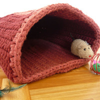 Handmade crochet pet bed, cat cave, cat basket, gift for cat lovers, travel pet bed, pet lover gifts, dog bed