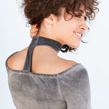 Silence + Noise Bambi Cut Out Mock Neck Off-The-Shoulder Top - Urban Outfitters