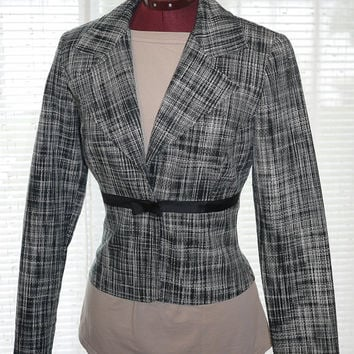 Woman Vintage Waist Fitted Black and White Plaid Blazer with Black Bow
