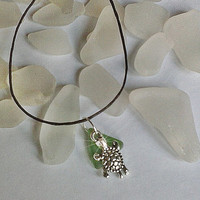 Sea glass anklet. Sea turtle anklet with green beach sea glass. Beach glass jewelry.