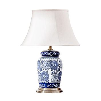 Elegant Hand Painted Chinese Blue And White Porcelain Table Lamp