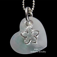 MOTHER OF PEARL SHELL HEART SILVER 925 HAWAIIAN MOVABLE OPEN PLUMERIA PENDANT