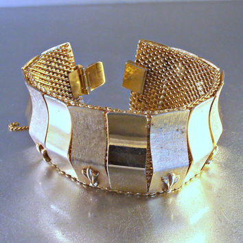 """Mesh Prince of Wales Feathers Panel Bracelet, Chunky 1.25"""" Wide, Rose Gold Gilt, Alternating Polished & Checkerboard Texture, Hidden Links"""