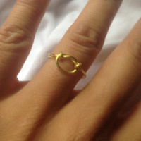 The simple knot ring